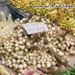 Buah-buahan di Pasar Satok